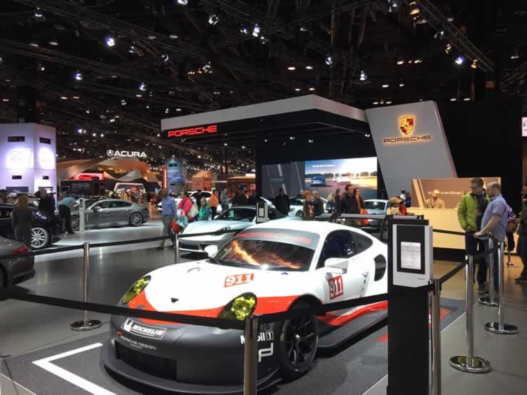 a picture from the chicago auto show of the Porsche 911